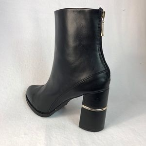 Forever 21 Size 10 Black Ankle Boots